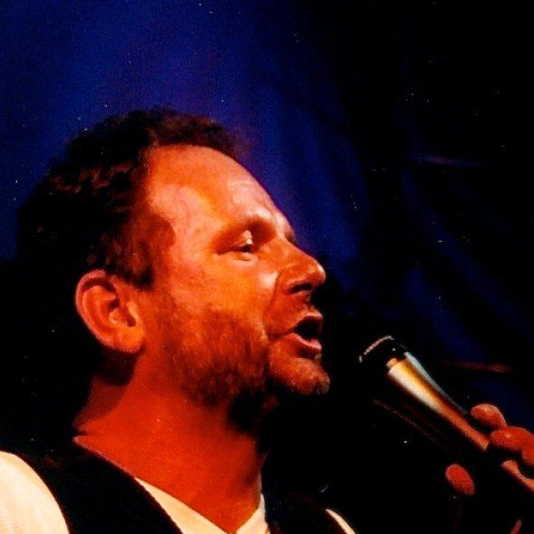 Aryan van Beugen singer and painter